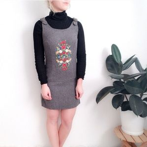 60-70s Vintage Floral Embroidered Bib Jumper Dress
